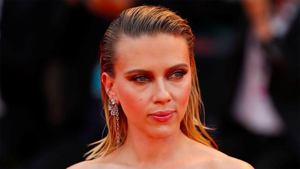 Horror Scarlett Johansson Con 18 Anos La Miro Y No La Reconozco